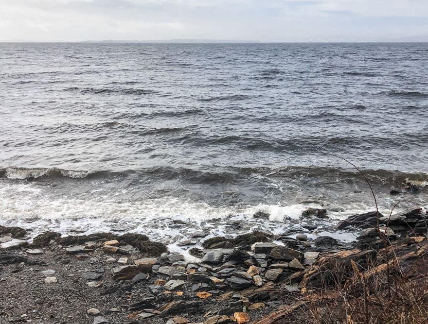 Ocean front of Captain Nickels Inn shoreline
